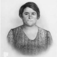 Pearl Hennenberg, Jacob Hennenberg's mother