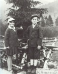 Jacob and cousin Ruzia Hennenberg, Klimczok, Beskidy mountains in the 1930s