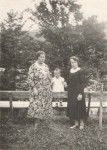 Zita's sister Anna sent this postcard to Berlin in1933.  L-R: Zita's mother, Taubcia, niece Ruthie and sister Anna.