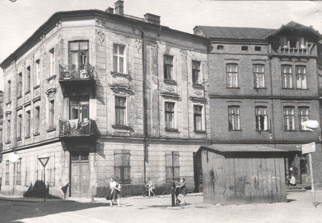 Jacob's childhood home at Mickiewicza 2 and 4 as it appeared immediately after the War.