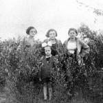 Top L-R: Sister Karola, Cousin Sabina Korngold, sister Ita. In front is cousin Minja Hennenberg.